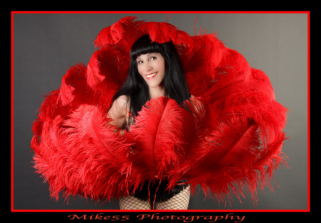 http://chevymike55.smugmug.com/Other/Cynthia-Xelas-Photo-Shoot/IMG1464-1/891806315_j3D86-XL.jpg